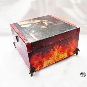 Caja Hellboy imagen laterales