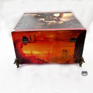 Caja Hellboy imagen trasera.