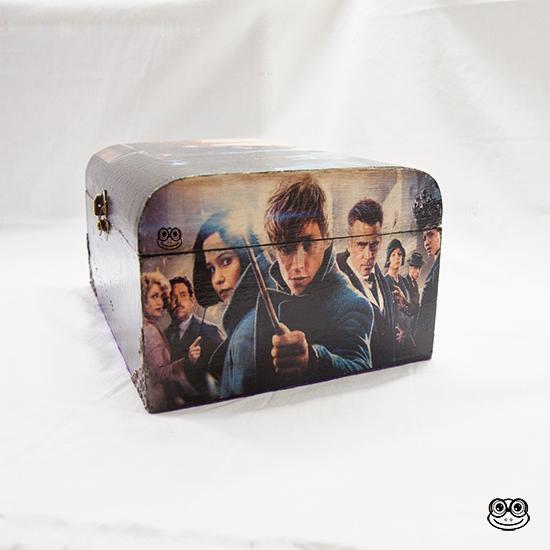 Caja Magic imagen lateral inspirada en el mundo mágico