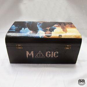 Caja Magic imagen trasera inspirada en el mundo mágico